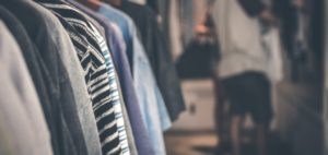 10 Tips To Simplify Your Wardrobe / Minimalist Wardrobe Tips
